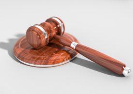 Pomoc prawna - Kancelaria prawna świadczy porady prawne. Rada obejmuje informacje z dowolnej gałęzi prawa.